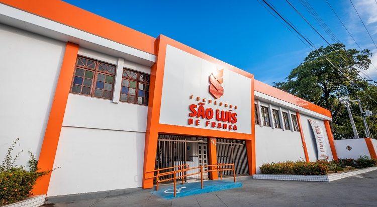Unidade-sede da Faculdade São Luís de França (FSLF), em Aracaju